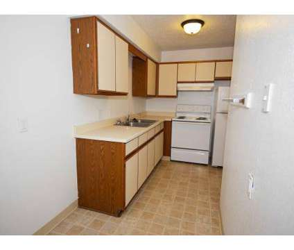 3 Beds - Timber Creek Apartments at 3300 E Deerfield Road in Mount Pleasant MI is a Apartment
