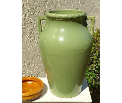 Rare 1930's Large Matte Green Braided Planters Roseville Pottery Not RR&P is a Green Lawn, Garden & Patios for Sale in Palm Harbor FL