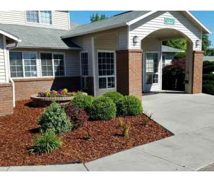 2 Beds - Heatherstone Apartments at 1114 W 10th Avenue in Kennewick WA is a Apartment