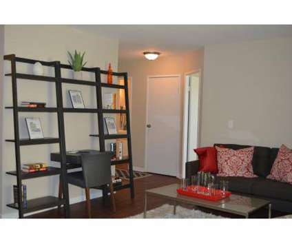 Studio - Enclave of Hoffman Estates at 700 Salem Dr in Hoffman Estates IL is a Apartment