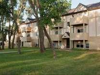 2 Beds - Farmington Place Apartments