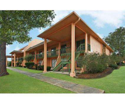 2 Beds - Forest Isle at 5000 Woodland Dr in New Orleans LA is a Apartment