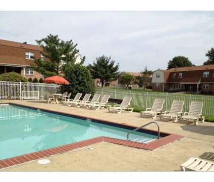 2 Beds - Foxwood Manor at 2180 Veterans Hwy in Levittown PA is a Apartment