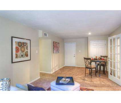 2 Beds - Summer Trace at 6015 Summer Trace Dr in Memphis TN is a Apartment