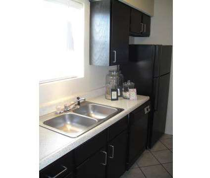 2 Beds - Meadow Park Townhomes at 509 N Hewitt Dr in Hewitt TX is a Apartment