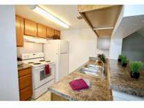 2 Beds - Royal Pointe