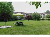 1 Bed - Country Club Apartments