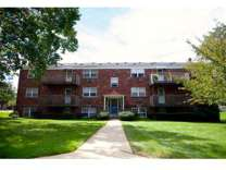 2 Beds - Lehigh Plaza Apartments