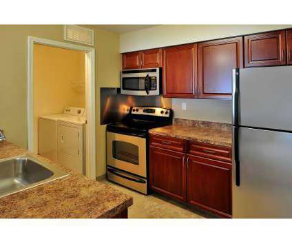 3 Beds - Hidden Creek Apartments at 1513 Hidden Creek Cir Dr in Grand Rapids MI is a Apartment