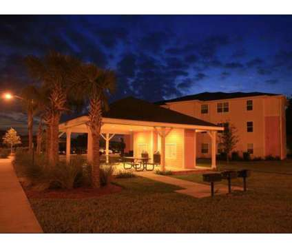 4 Beds - Summerlin Oaks at 980 East Church St in Bartow FL is a Apartment