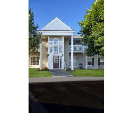 2 Beds - Country Place at 1820 S Crawford St in Mount Pleasant MI is a Apartment