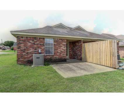 3 Beds - Westwind Townhomes & Duplexes at 1800 Joy Cir in Horn Lake MS is a Apartment
