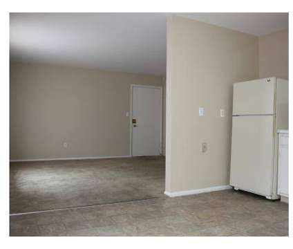 3 Beds - Willow Glen Apts at 527 Rosary Dr #5 in Erlanger KY is a Apartment