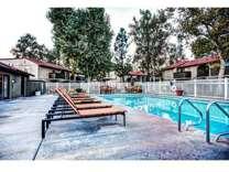 2 Beds - Oak View Apartments