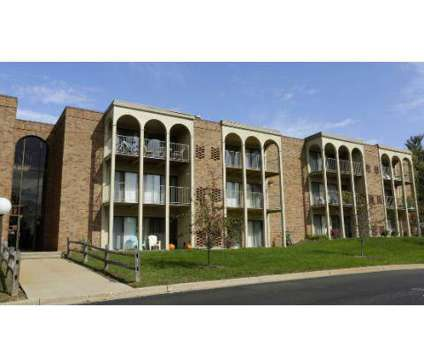 1 Bed - Willow Creek Apartments at 3707 Greenleaf Cir in Kalamazoo MI is a Apartment