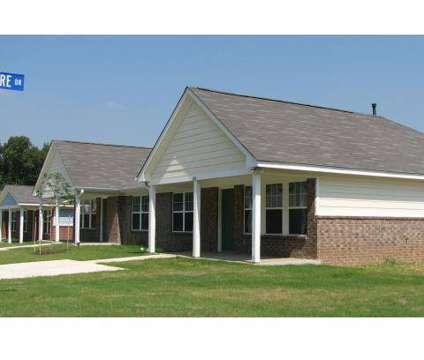 3 Beds - Austin Park Place at 4351 Le Claire Ln in Memphis TN is a Apartment