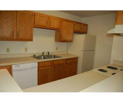 2 Beds - Creekside Apartments at 2901 North Elgin St in Muncie IN is a Apartment