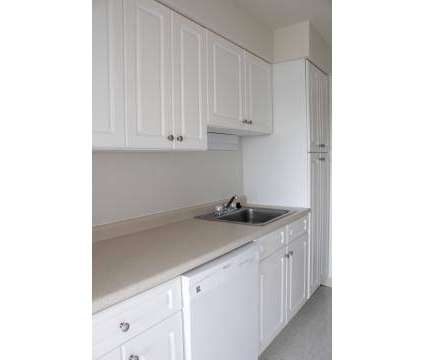 2 Beds - Victoria Towers at 410 East Main St in Meriden CT is a Apartment