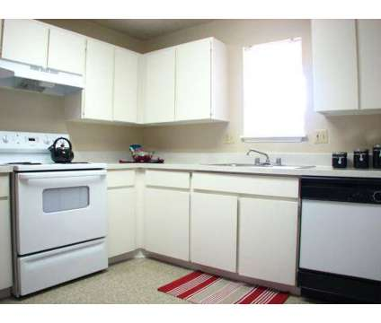 3 Beds - Sombra Apartment Homes - Income Restrictions* at 2020 W Glendale Avenue in Phoenix AZ is a Apartment