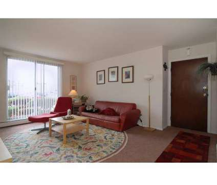 Studio - River's Landing at 3 Times Square in Elgin IL is a Apartment