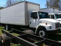 2000 Freightliner FL70 Box TRuck