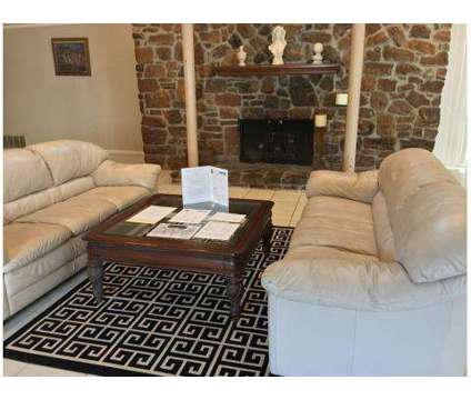 3 Beds - Lantern Square at 2690 Drury Way Ln in Memphis TN is a Apartment