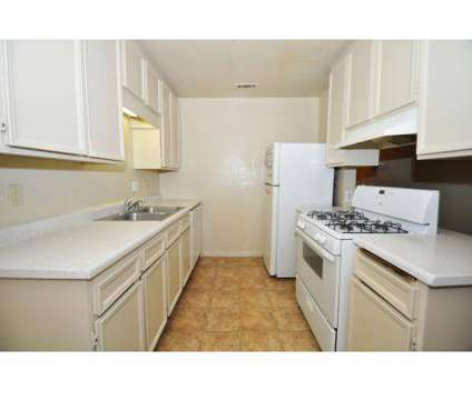3 Beds - Sunset Meadows at 529 Alturas Rd in Fallbrook CA is a Apartment