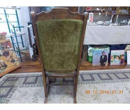 Vintage Ladies' Nursing/Sewing Rocker is a Antiques for Sale in Hendersonville NC
