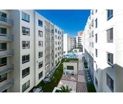 3 Beds - 420 East at 420 East Church St in Orlando FL is a Apartment