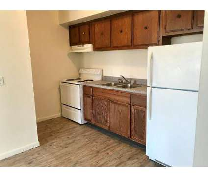 1 Bed - Green Meadow at 214 E Napoleon Rd in Bowling Green OH is a Apartment