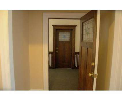 3 Beds - Buckingham/Balmoral at 3103 N Meridian St in Indianapolis IN is a Apartment