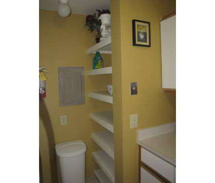 1 Bed - The Heights at 1545 E Thirteen Mile in Madison Heights MI is a Apartment
