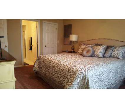 1 Bed - Hunters Manor at 7019 East White Dove Ln in Middleburg Heights OH is a Apartment