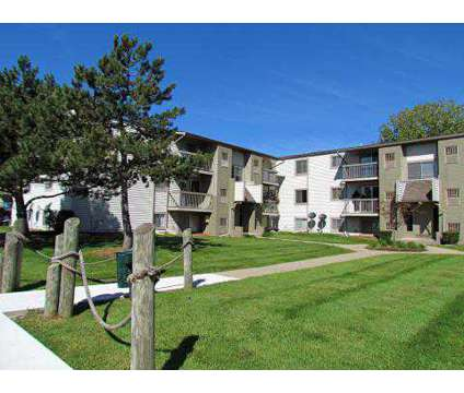 2 Beds - Sterling Lake Apartment and Townhomes at 13500 Northside Dr in Sterling Heights MI is a Apartment