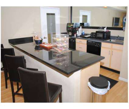 2 Beds - Kings Landing at 618 N New Ballas in Creve Coeur MO is a Apartment