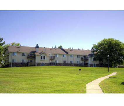3 Beds - Devonshire On Canal at 410 Charity Cir in Lansing MI is a Apartment