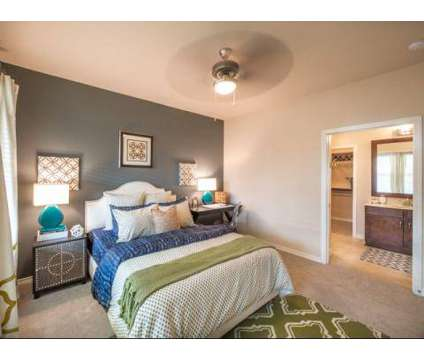 3 Beds - Lincoln Waters Edge at 1701 Royal Ln in Farmers Branch TX is a Apartment