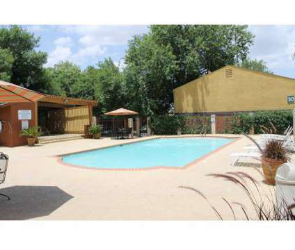 3 Beds - Hunter's Glen at 8715 Datapoint Dr in San Antonio TX is a Apartment