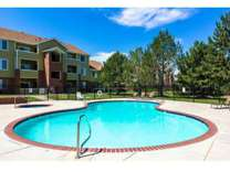 3 Beds - Creekstone Apartments