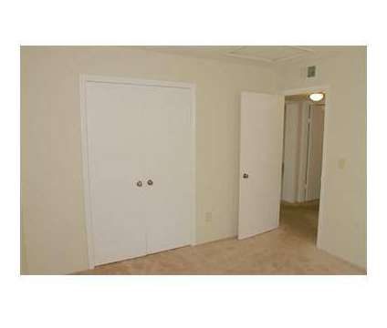 3 Beds - Stoney Brook at 200 Stoney Brook Trace in Birmingham AL is a Apartment