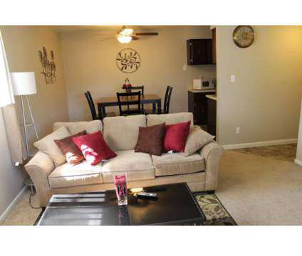 1 Bed - Knollwood at 4700 N Highland in Kansas City MO is a Apartment