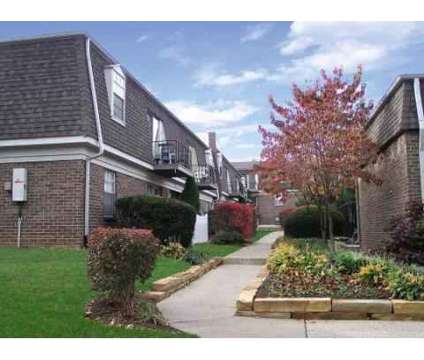 3 Beds - Fayette Crossing at 249 East Reynolds Rd in Lexington KY is a Apartment