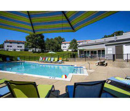 1 Bed - The Valley Townhomes at 4100 Whispering Lane Ne in Grand Rapids MI is a Apartment