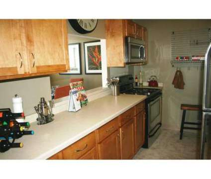 2 Beds - Yankee Hill at 626 E Kilbourn Avenue in Milwaukee WI is a Apartment