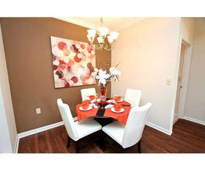 2 Beds - Lakes at Brandon West, The at 10011 Balaye Run Dr in Brandon FL is a Apartment
