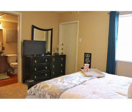 1 Bed - Villa de Oro at 130 Camino De Oro in San Antonio TX is a Apartment