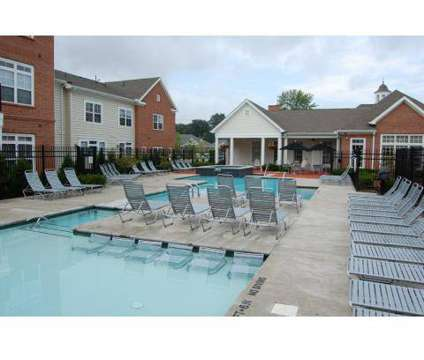 3 Beds - Chelsea Place at 4430 N Holland-sylvania Road in Toledo OH is a Apartment
