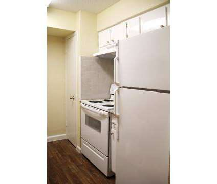 1 Bed - Villa La Jolla at 10101 Forum Park Dr in Houston TX is a Apartment