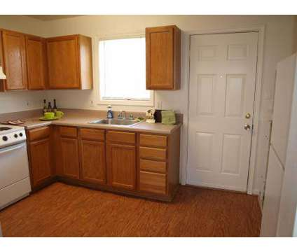 2 Beds - College Park Apts at 1603 Roane St in Richmond VA is a Apartment