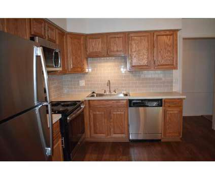 3 Beds - Country Corner Apartments & Townhomes at 30300 Southfield Road in Southfield MI is a Apartment
